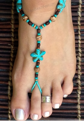 Foot jewelry with turquoise magnesite stars surrounded by picture jasper and wood beads