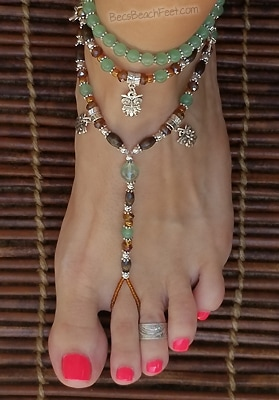 Foot jewelry with owl charms, green aventurine and fluorite beads, glass wood and silver beads