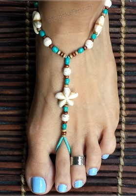 Flower barefoot jewelry with magnesite flowers, howlite and wood beads